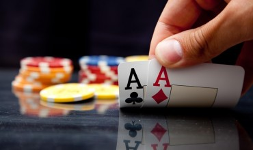 Texas Hold'em Cheats in Online Poker – Just What You Had to Know