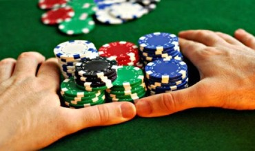 Spend your time happily with online casino